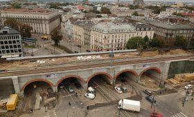 Kolej na przestrzeń dla Krakowa. Czas na nowe parki pod estakadami?