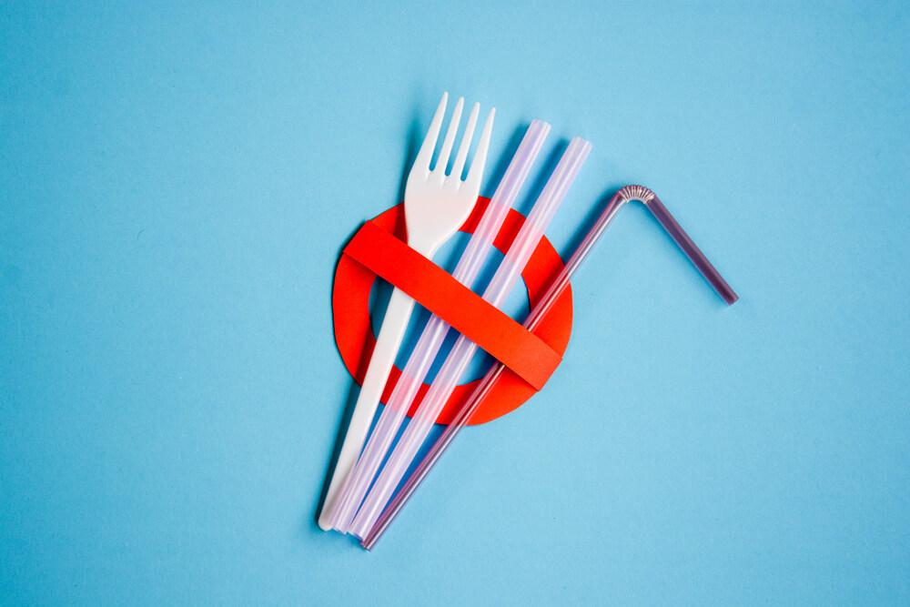 Dyrektywa plastikowa – niewykorzystana szansa na pomoc środowisku